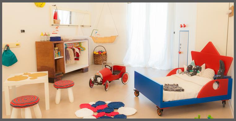 Cameretta con arredo in miniatura progettazione casa for Arredo cameretta bimbo