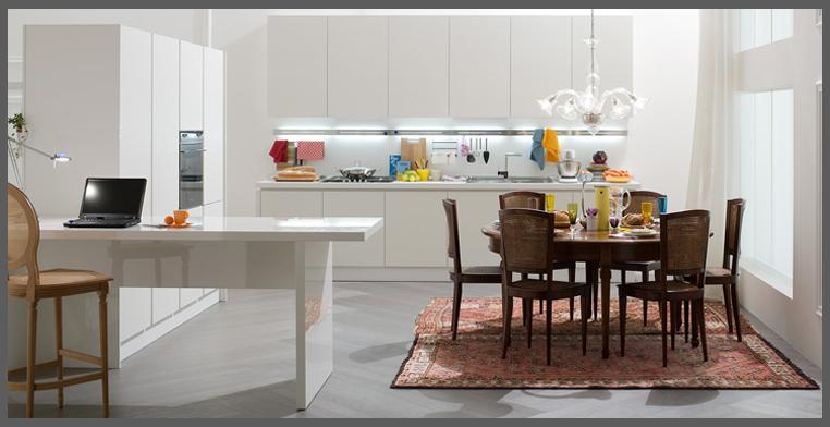 arredare_cucina_tavolo_sedie_oggetti