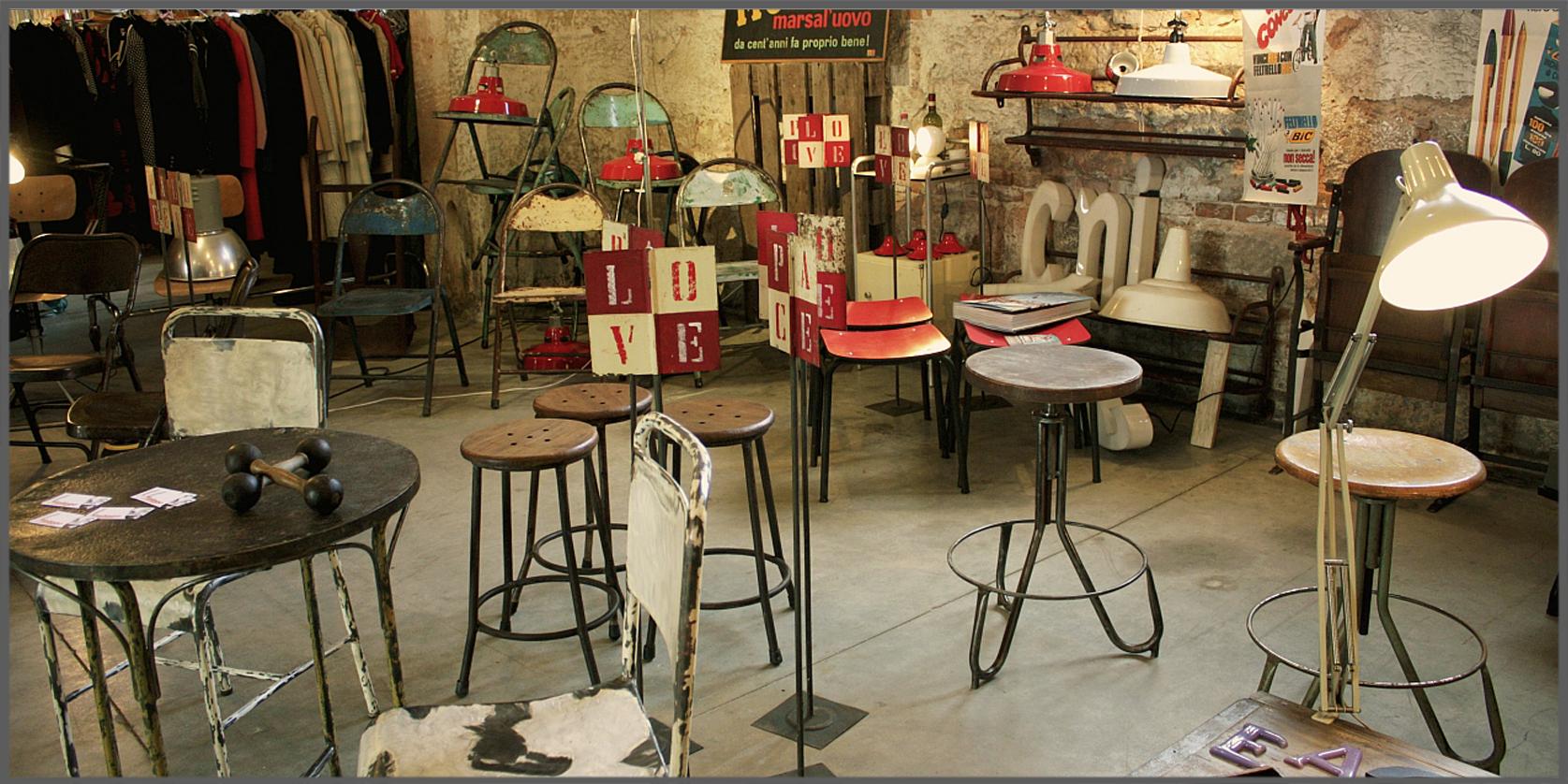 negozio- vendita di oggetti di modernariato