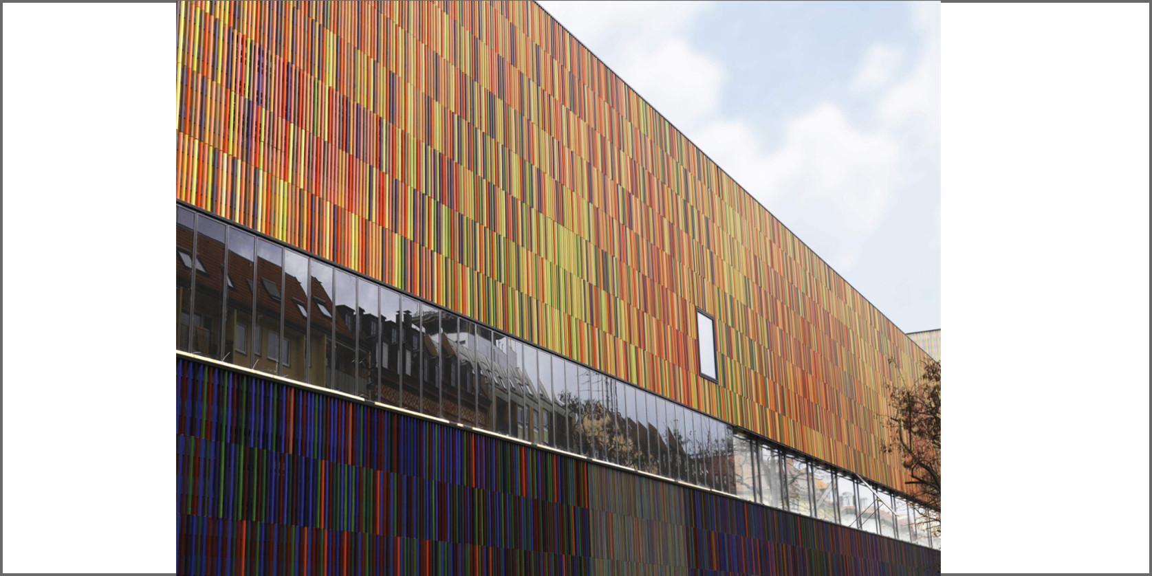 Facciata di un edificio colorato