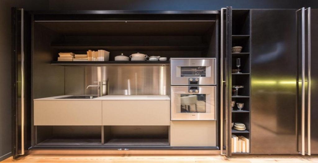 Cucina a scomparsa con elettrodomestici