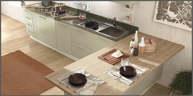 Cucina con penisola stile e funzionalit progettazione casa - Penisola per cucina ...