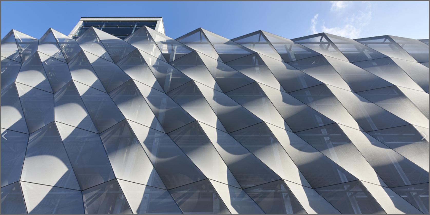 facciata di un edificio moderno in tessuto