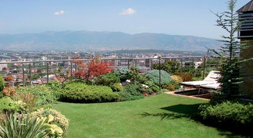 Tetto giardino sfruttare gli spazi condominiali for Giardino pensile